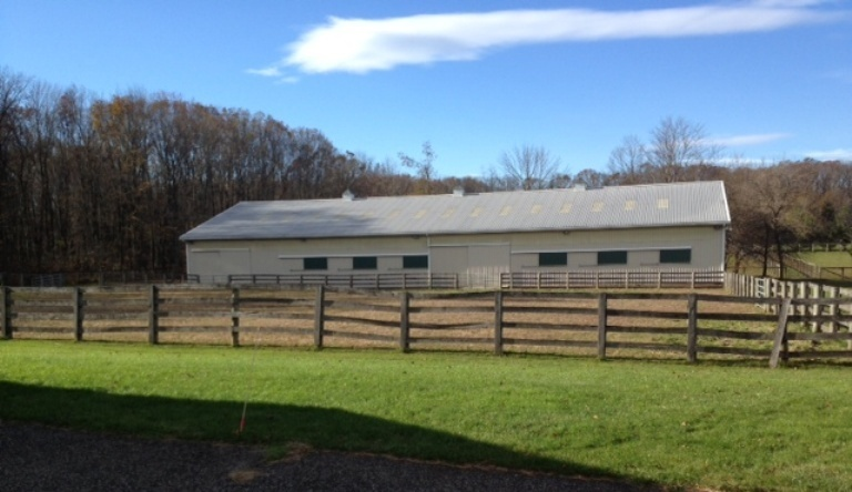 Riding Arena in Dublin, PA with Mini Sliding Doors for Cross Ventilation