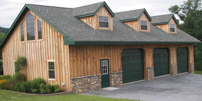 Custom Garages & Sheds